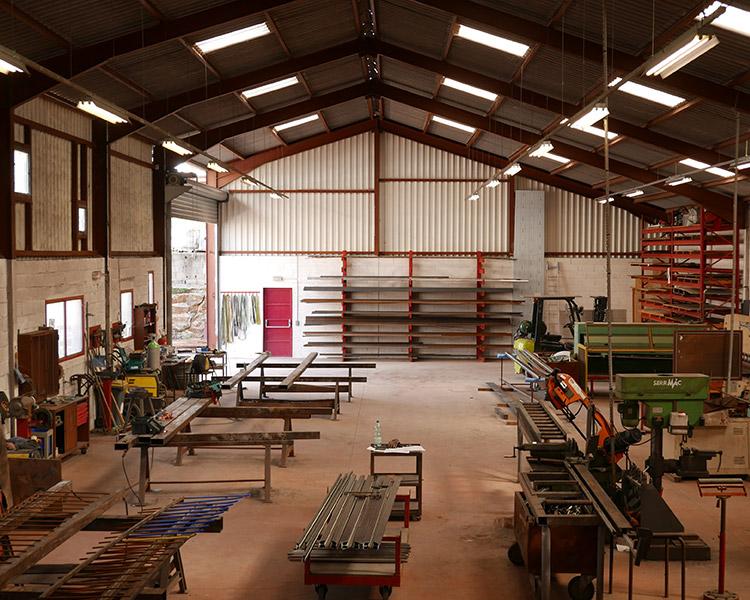 atelier montpellier serrurerie metallerie ferronnerie charpente menuiserie
